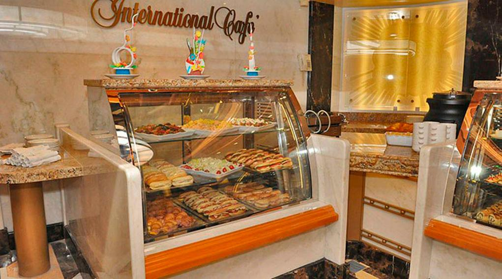 Cafeteria-International Caribbean Princess
