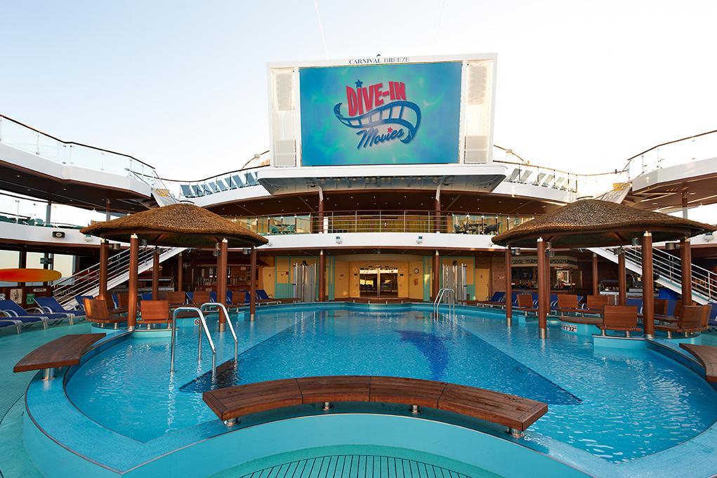 Cine-piscina Carnival Breeze