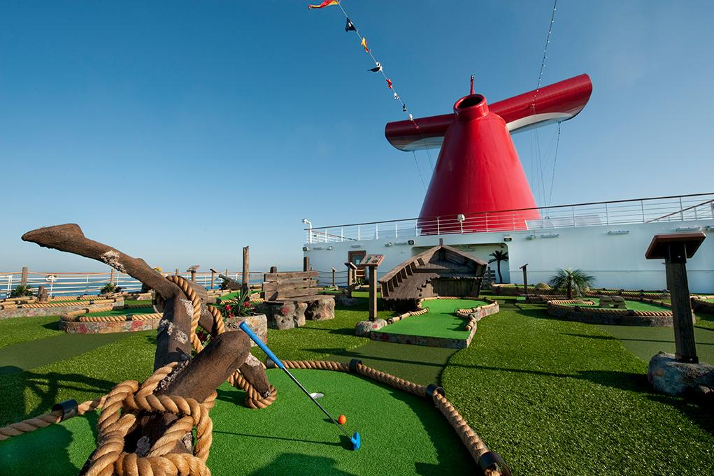 Camarote Minigolf - Carnival Dream