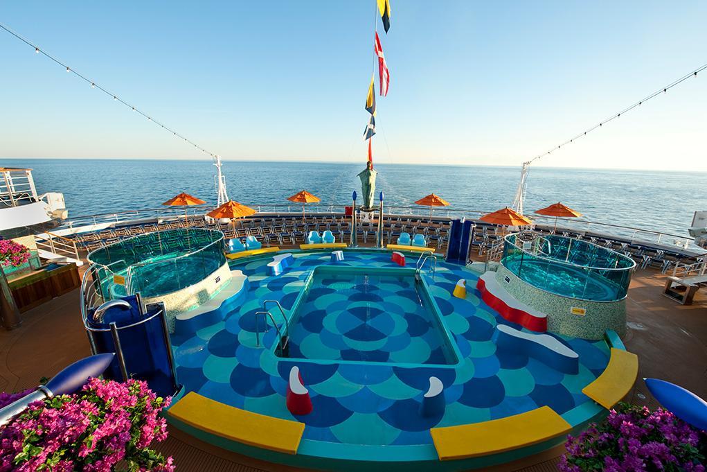 Piscina y jacuzzis Carnival Dream