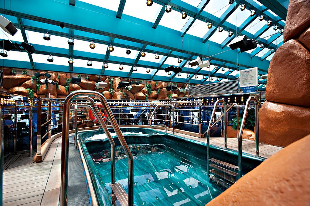 Spa-Piscina Carnival Glory