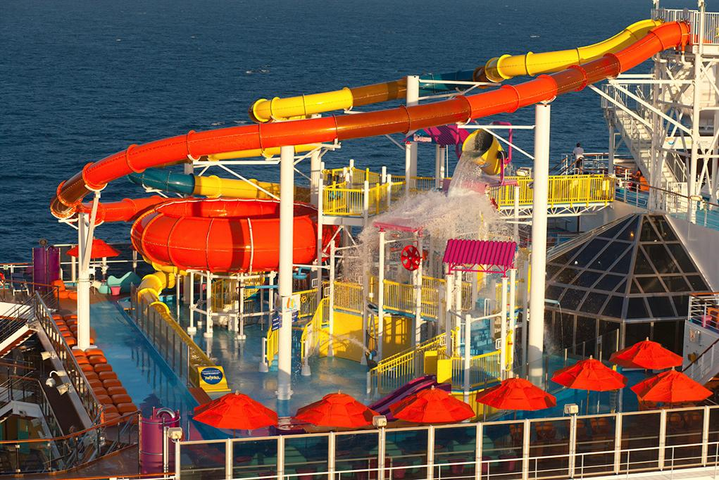 Camarote Toboganes WaterWorks - Carnival Magic