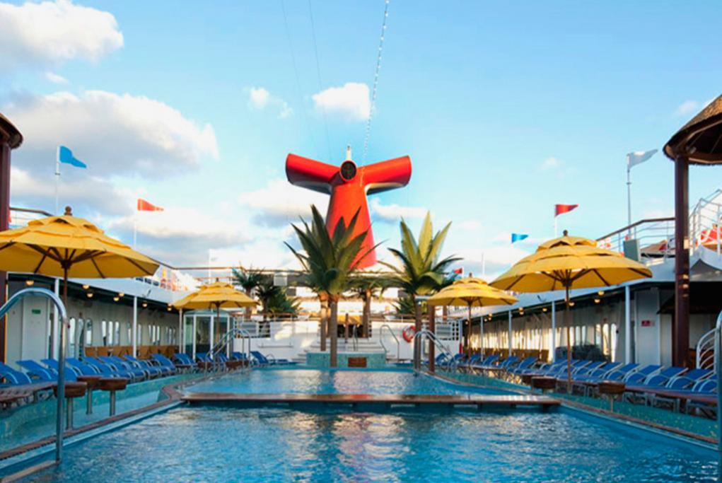 Camarote Piscina Central - Carnival Paradise