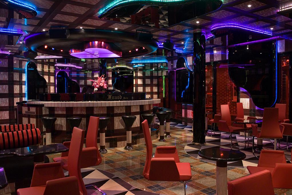 Grand-Piano-Bar Carnival Splendor