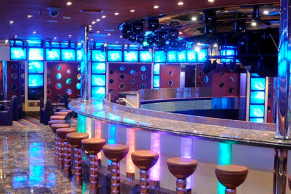 Discoteca-Hollywood Carnival Triumph