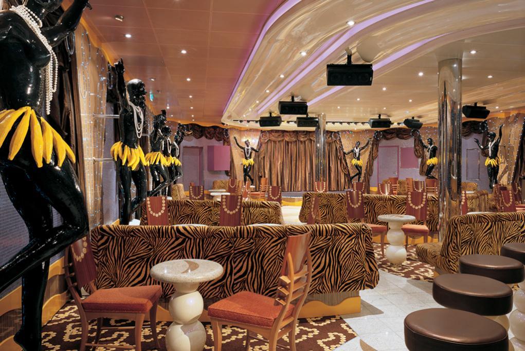 Camarote Paris Hot Jazz Bar - Carnival Valor