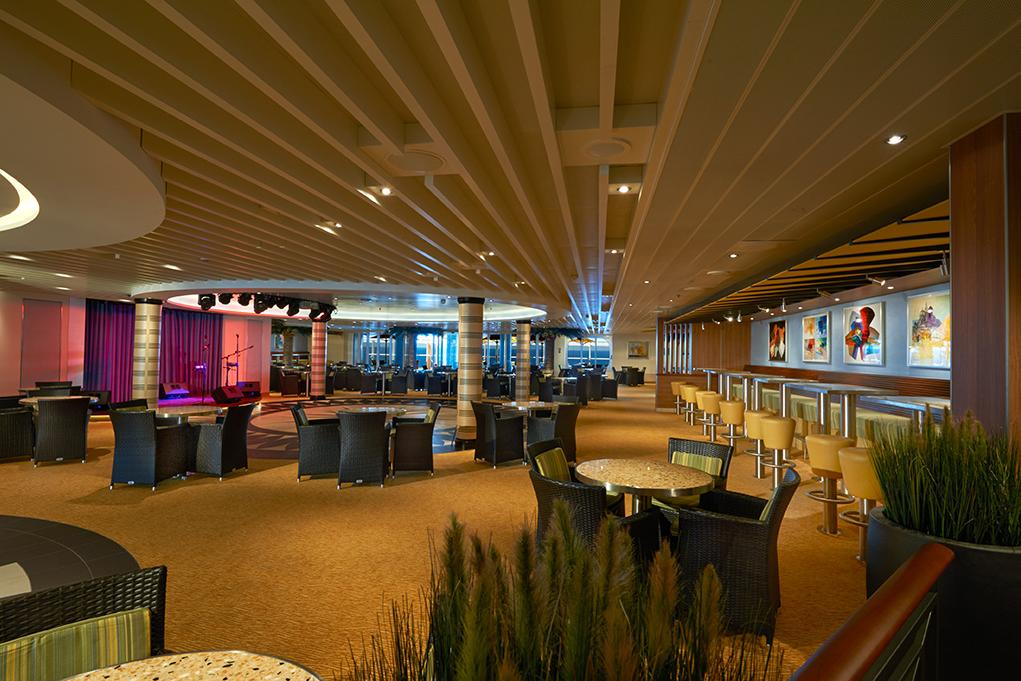 Bar-Ocean-Plaza Carnival Vista
