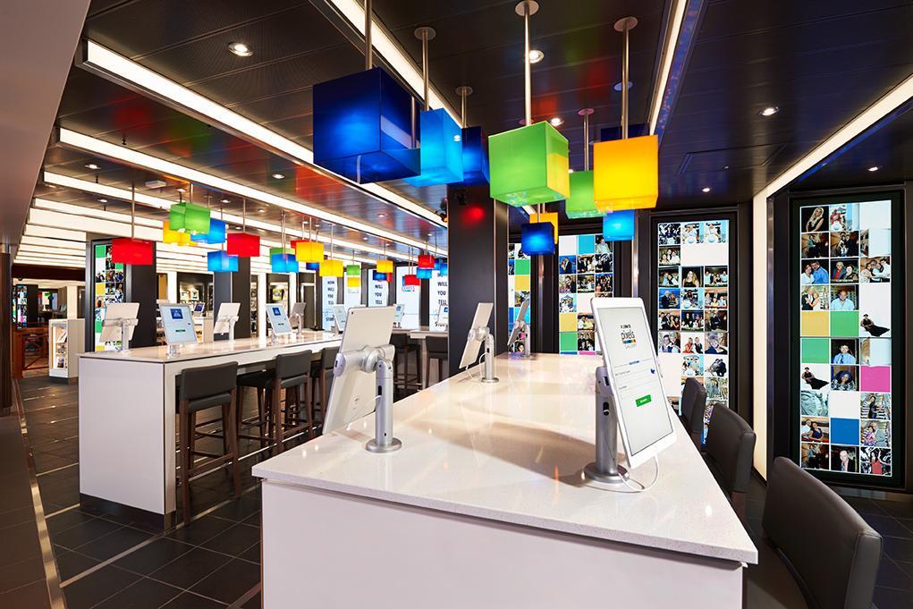 Sala-de-Internet-Pixels Carnival Vista