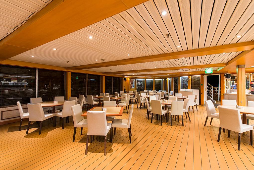 Restaurante Leda Celestyal Nefeli