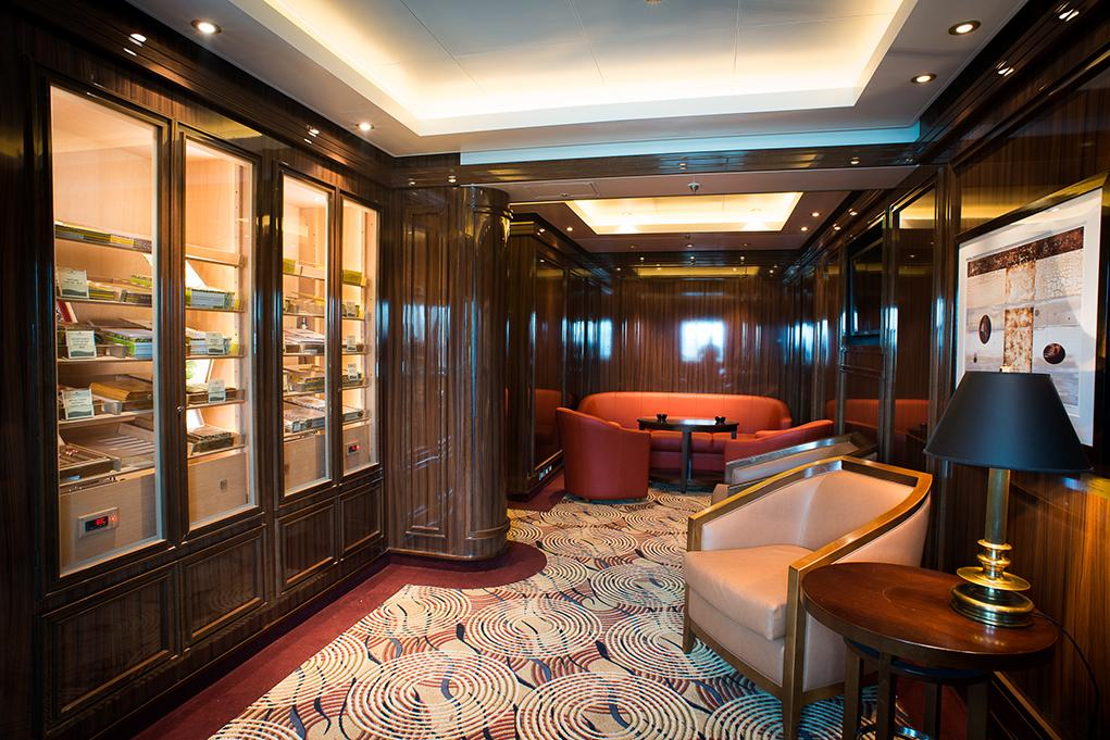 Churchill-Cigar-Lounge Coral Princess