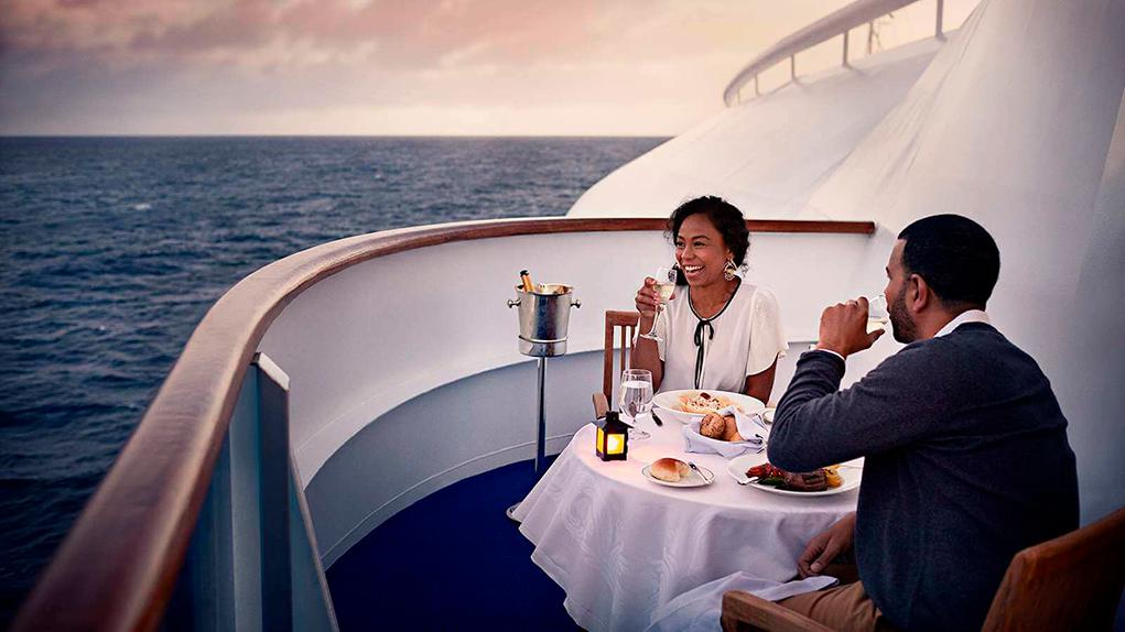 Balcony-Dining Crown Princess