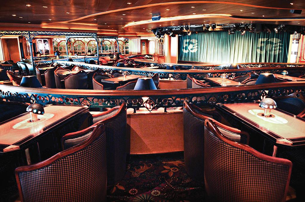 Explorers-Lounge Diamond Princess