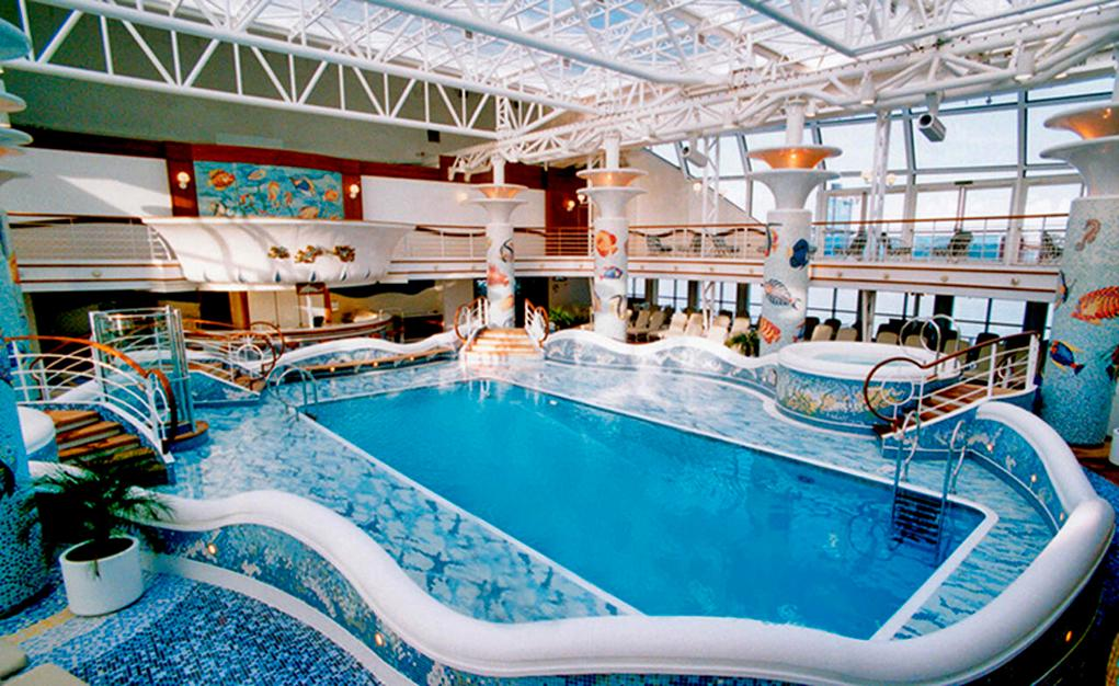 Piscina cubierta Diamond Princess