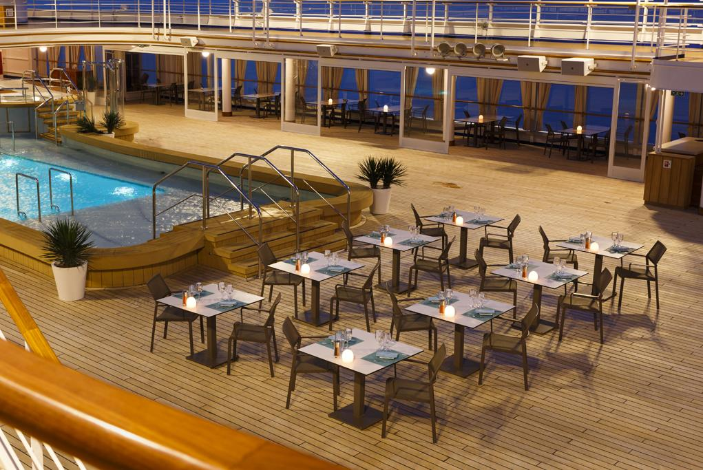 Restaurante Pool Grill Silver Spirit