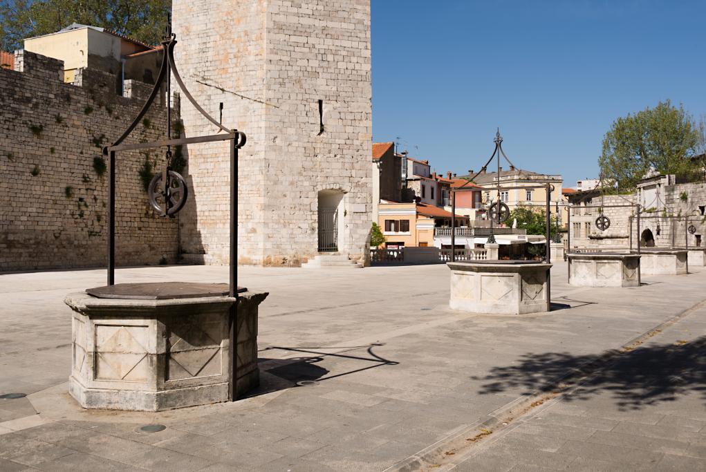 Plaza de los 5 pozos - Zadar