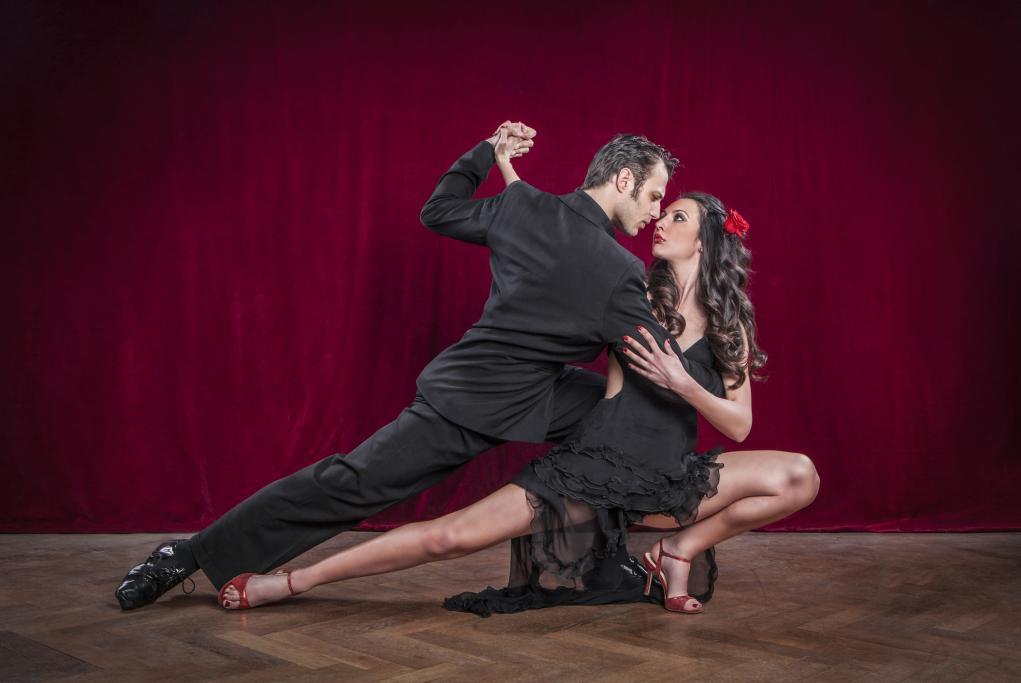 Cena y actuación de tango - Montevideo